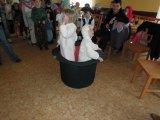 Představení masek na dětském maškarním karnevalu Bob a Bobek