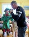 děti převlečené v maškarních kostýmech - vodník