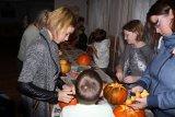 vykrajování hallowennských dýní