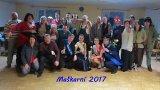 společná fotografie účastníků maškarního bálu na téma - JÁ V 18