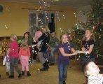 děti tancují