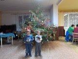 děti u stromečku