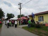 pohled na lidi, kteří se účastní 650 výročí obce Hvozdec